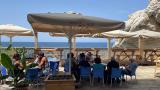 קפה מול הים 7