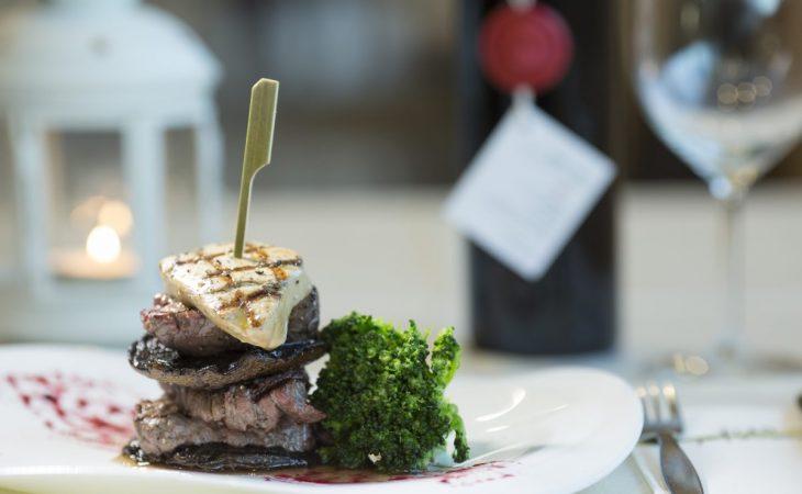 ביקור באתר משולב עם סדנת בשרים במסעדת הצוק